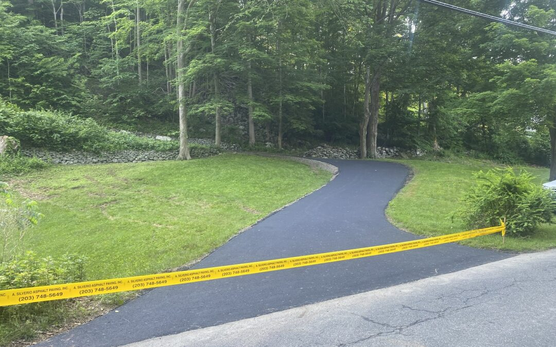 Stamford, CT | Asphalt Paving Contractor | Driveway Paving & Sealcoating | Driveway Repair Services
